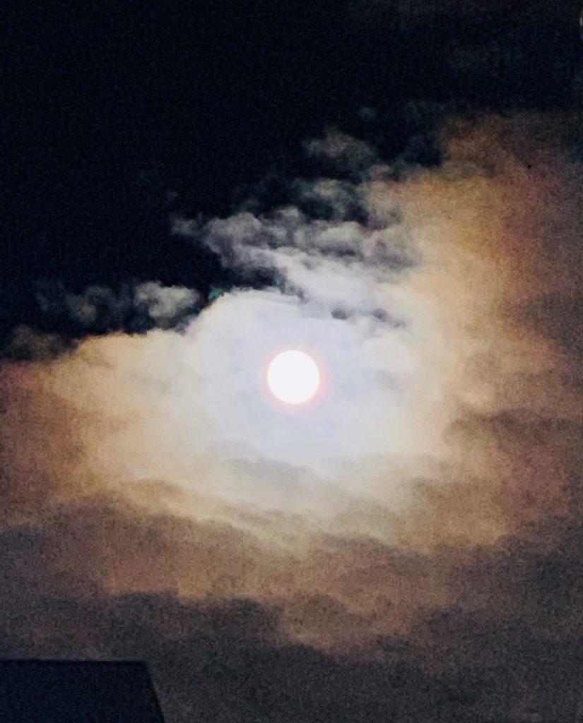 今年最後のまん丸満月ですね~! うっとり♡